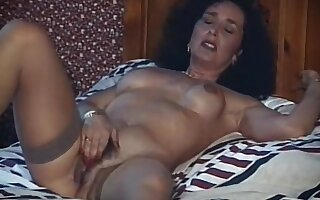 Do you believe? - vintage mature milf strip dance
