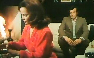 Nude Laura Antonelli in Docteur Popaul (1972)