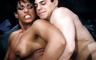 Vanessa del Rio, Jerry Butler in hot ebony babe goes for 80s porn interracial fuck